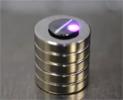 磁気浮上グラファイトの光運動制御
